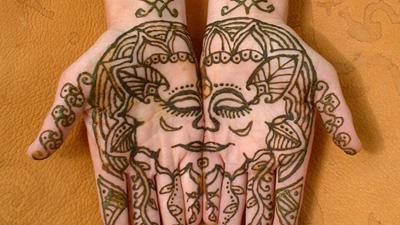Tatouage henné - Animations et ateliers Terre Nomade